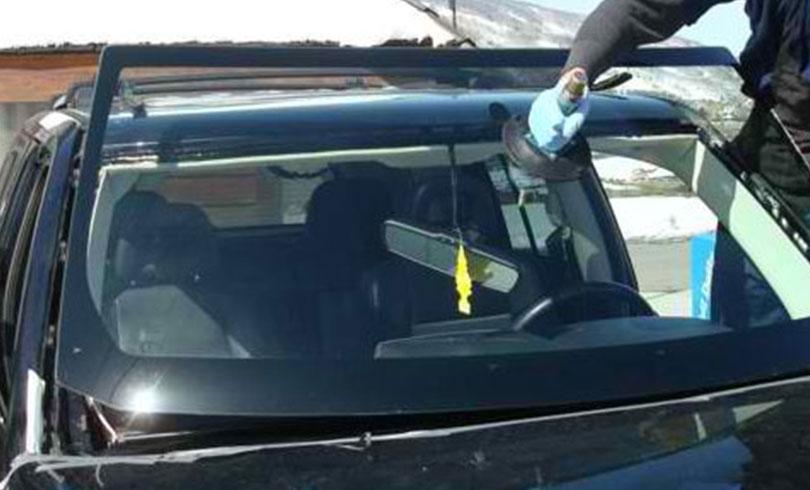 replacing cracked car window
