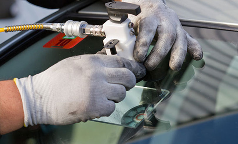 windshield rock chipped repair service